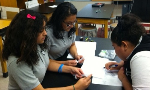 Co-PIs Michelle Vanegas-Lacan, Lizeth Urioso, and Megan Ramos discussing the operation of the FME mini-lab..