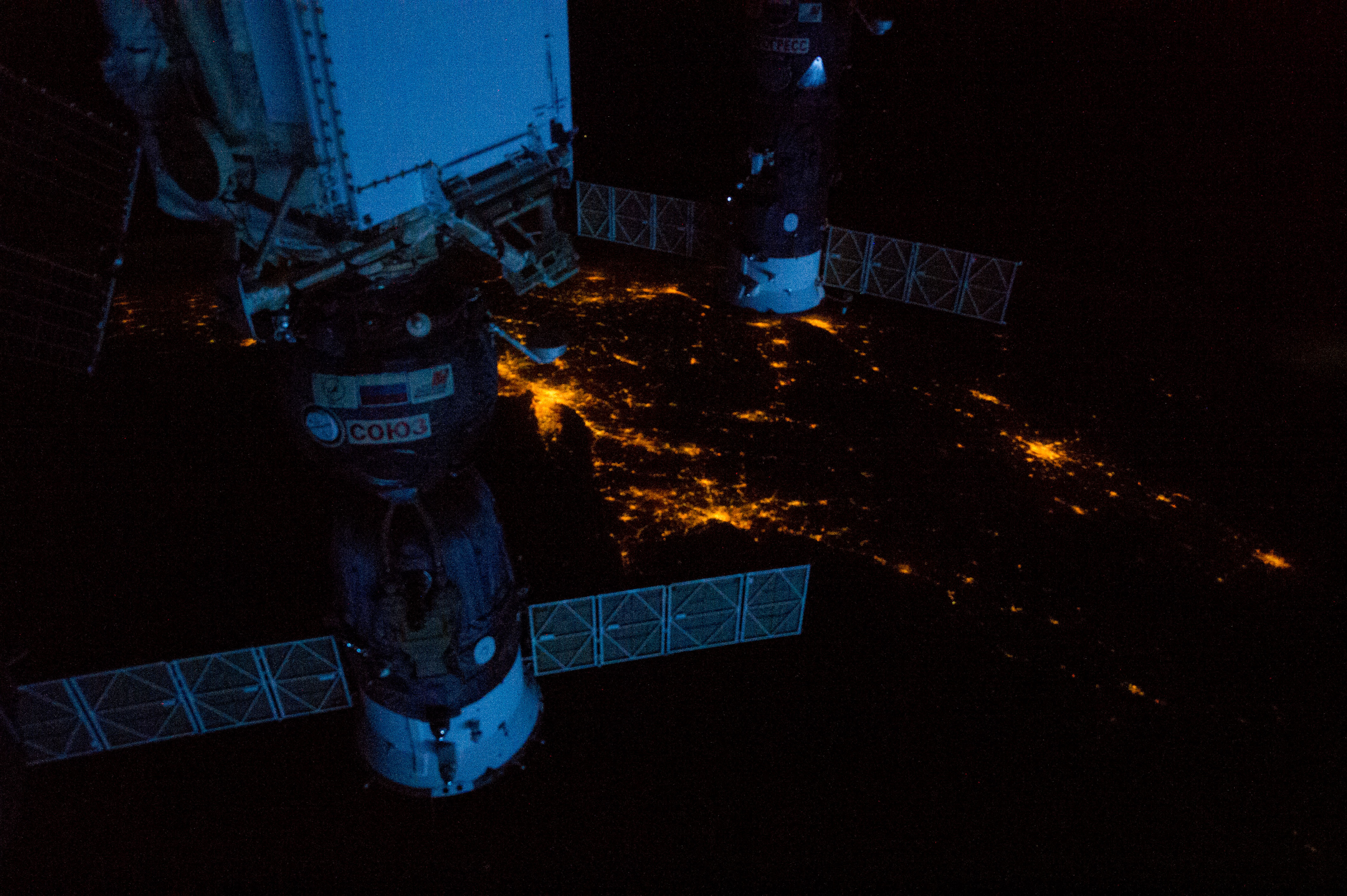 Soyuz 35 at night