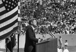 president-kennedy-gives-space-race-speech
