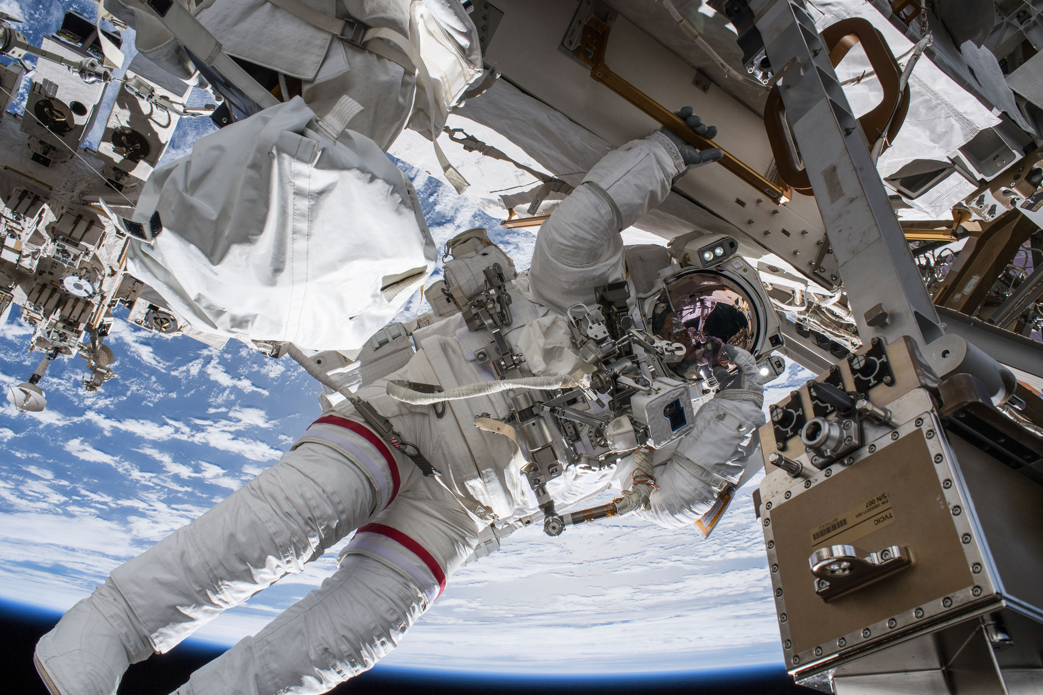 Astronauts on ISS to Conduct Spacewalks in September 2018 – WATCH